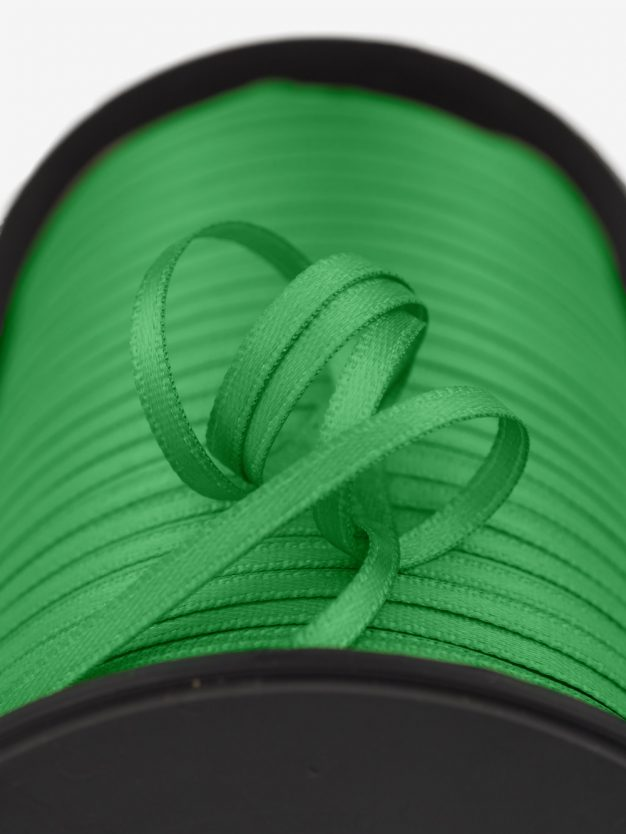 doppelsatin-gewebt-grasgrün-schmal-hochwertig