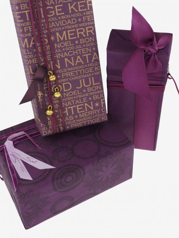 geschenkpapierpaeckchen-aubergine-uni