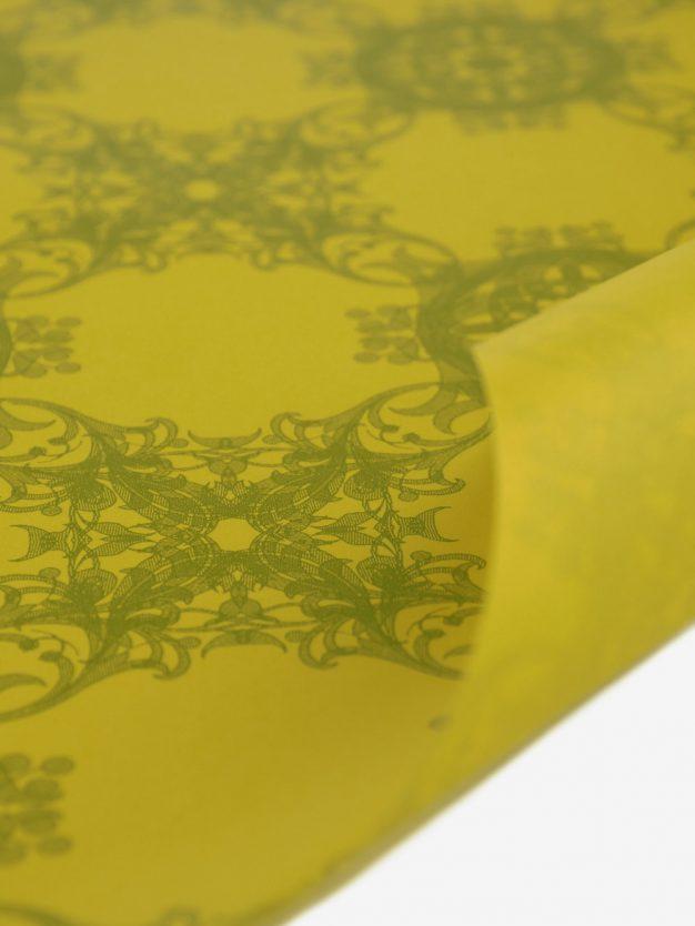 geschenkpapierbogen-gelb-mit-jugendstil-olivgruen