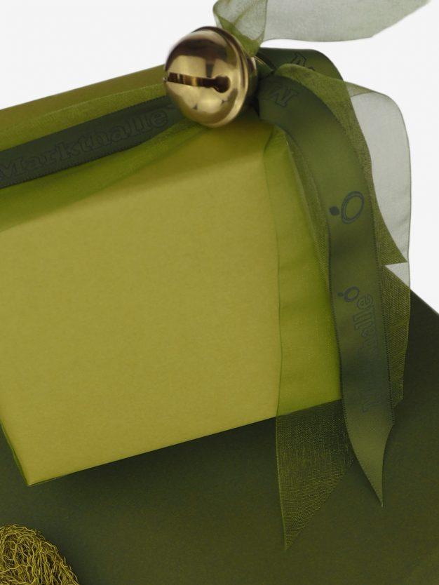 geschenkpapierverpackung-gelb-olivgruen-uni