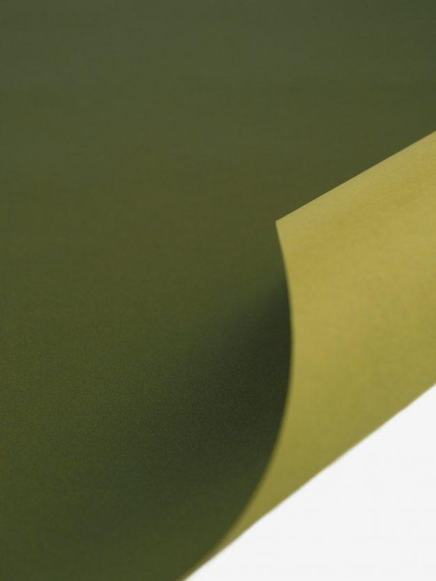 geschenkpapierbogen-olivgruen-uni