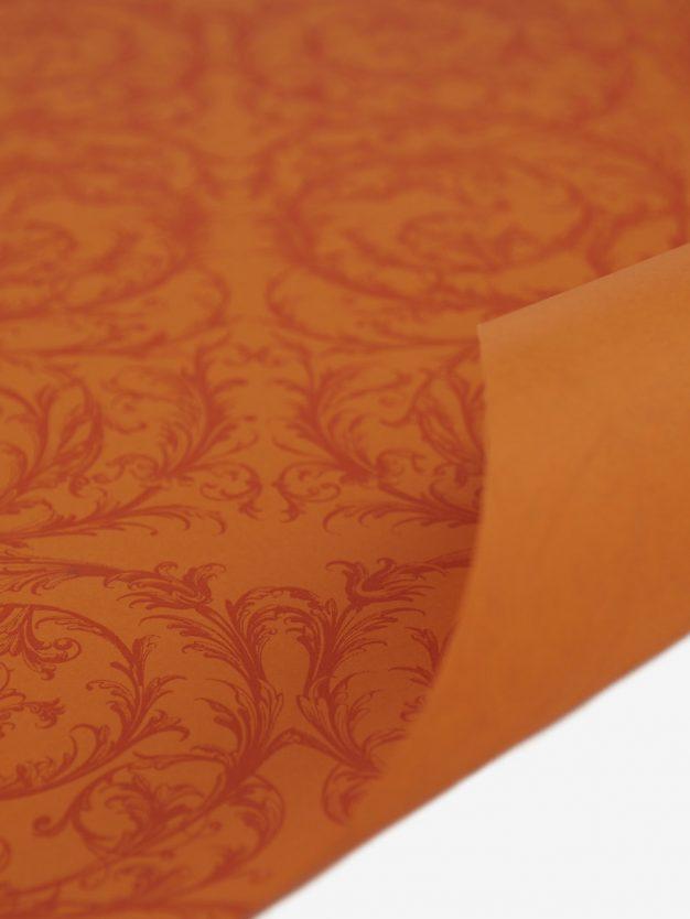 geschenkpapierbogen-orange-mit-barock-dunkelorange