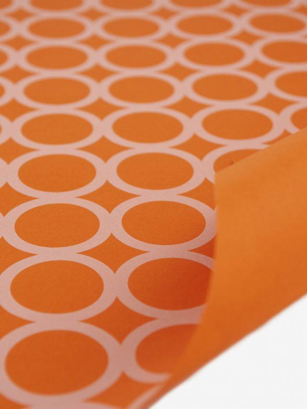 geschenkpapierbogen-orange-mit-ringe-creme