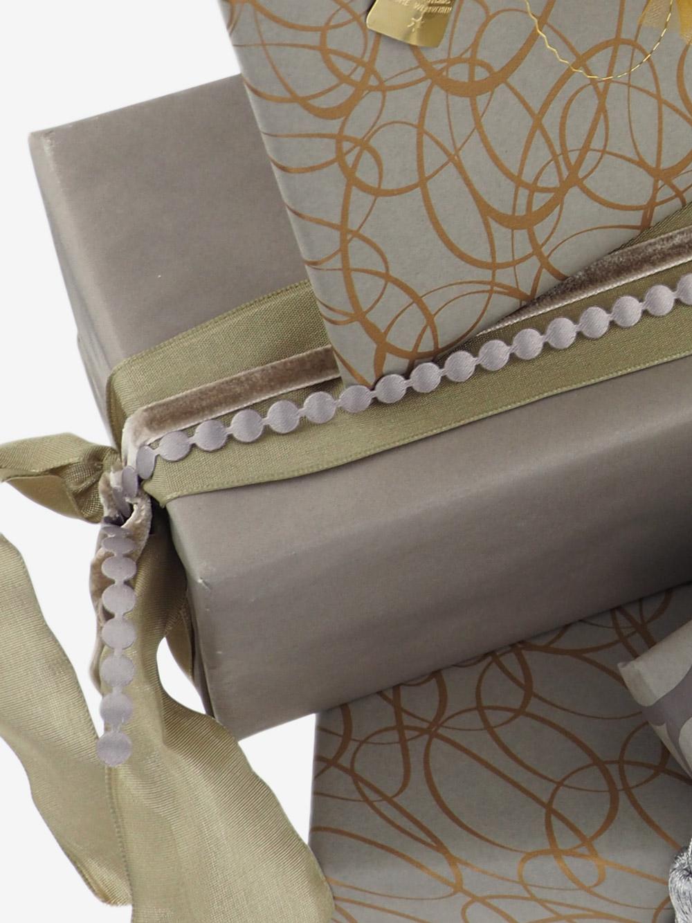 geschenkpapierverpackung-taupe-uni