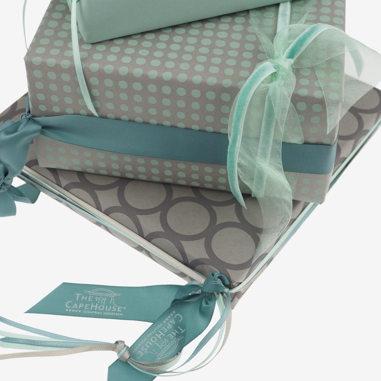 geschenkverpackung-geschenkpapier-taupe-pastellgruen-grau