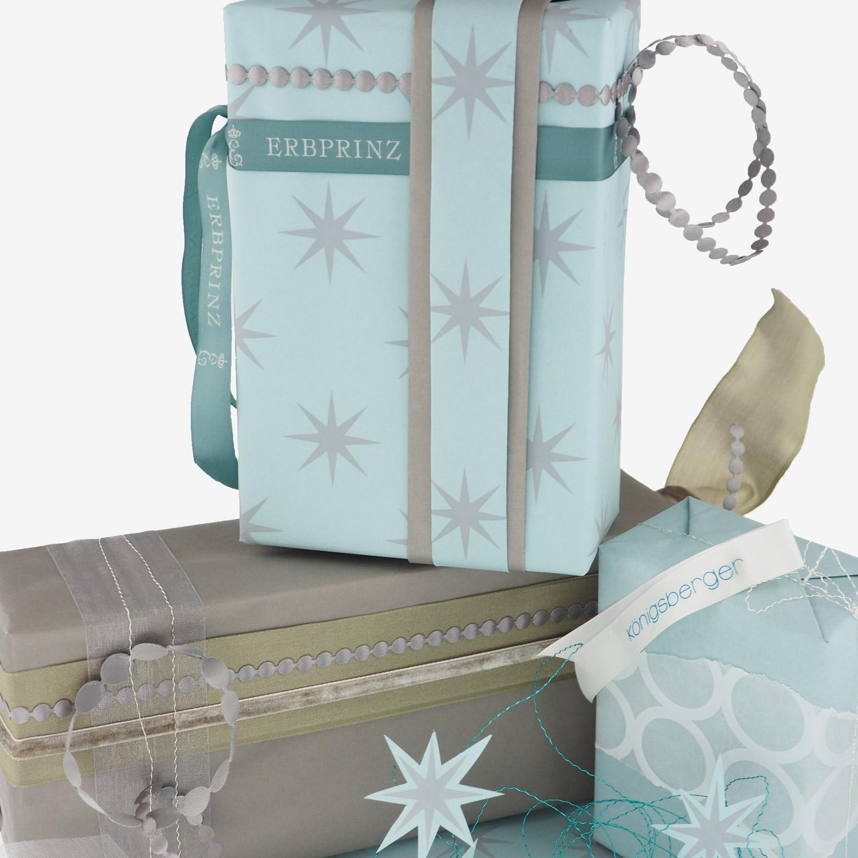 geschenkverpackung-geschenkpapier-tuerkis-creme-taupe