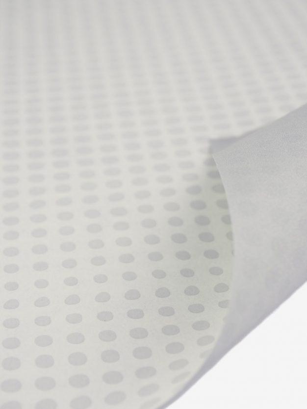 geschenkpapierbogen-creme-mit-punkte-grau