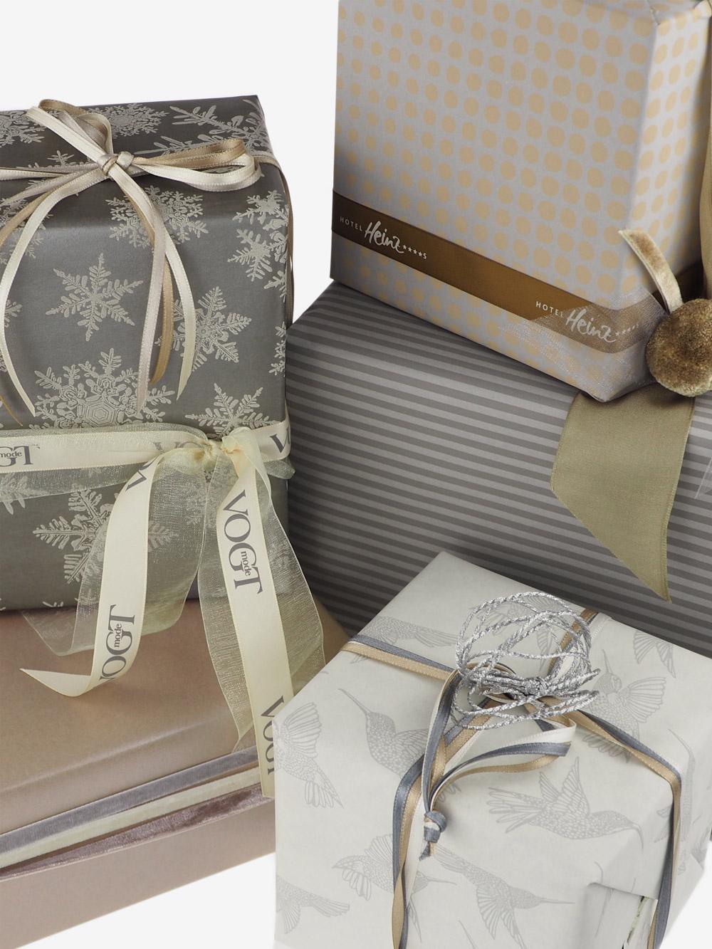 Geschenkpapier; Streifen; taupe